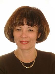 Dr. Galla Anna